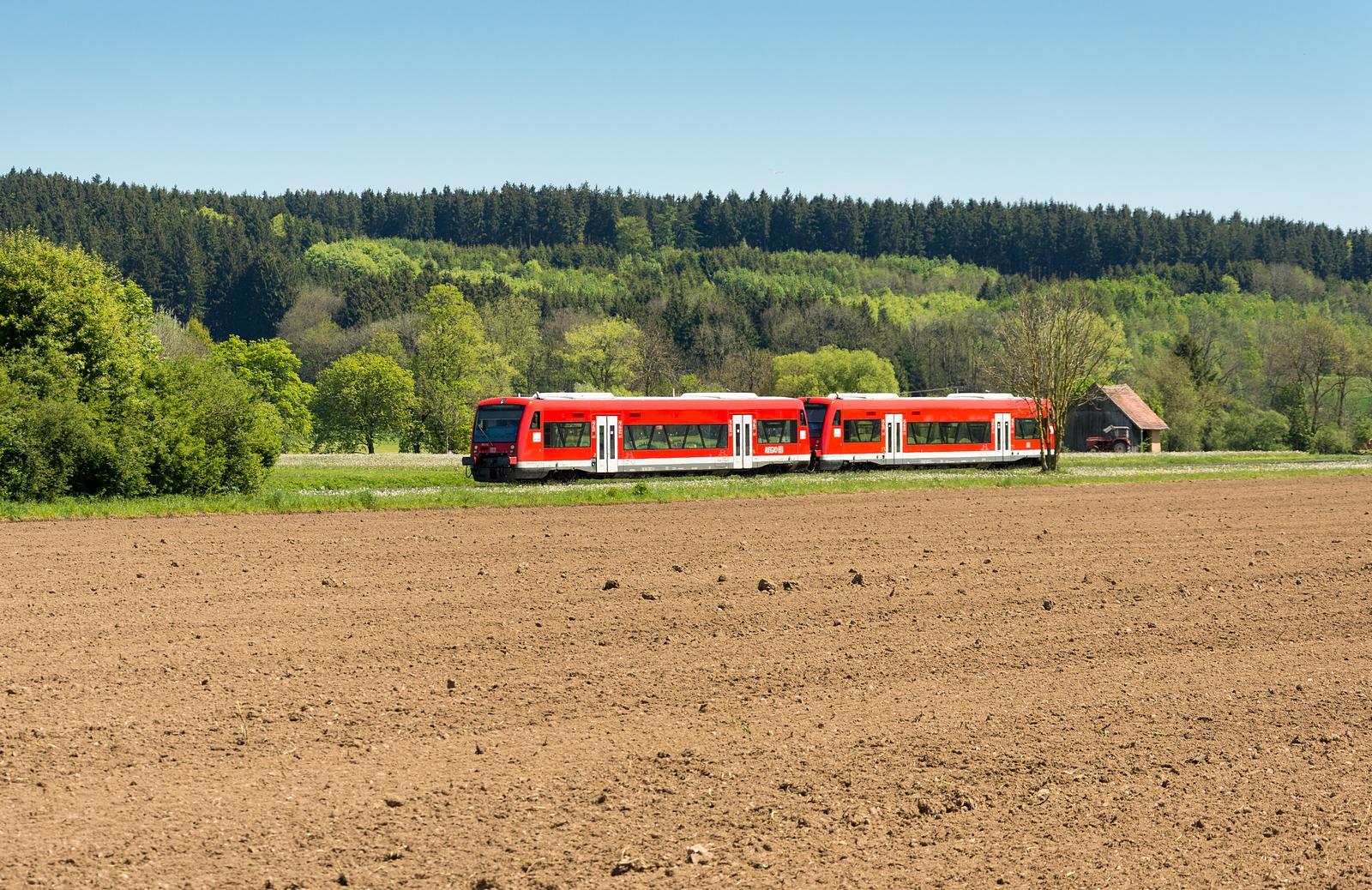 Zug auf der Strecke Leutkirch-Memmingen