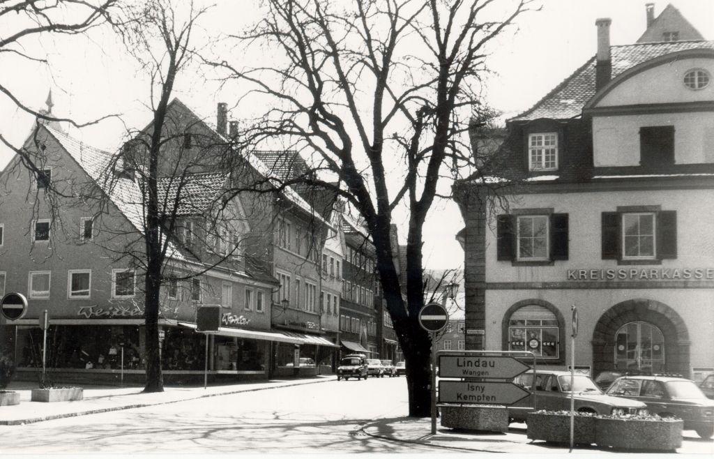 Kreissparkasse vor dem Abbruch 1976