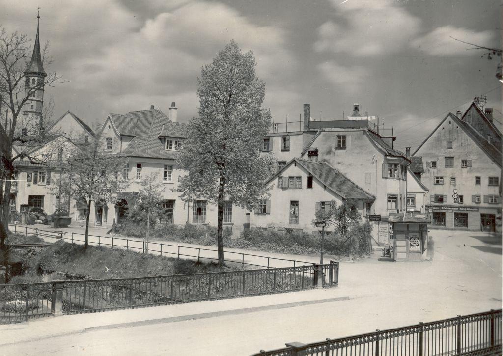 Mohrenbrücke vor dem Bau des Schuhhauses Werdich 1930