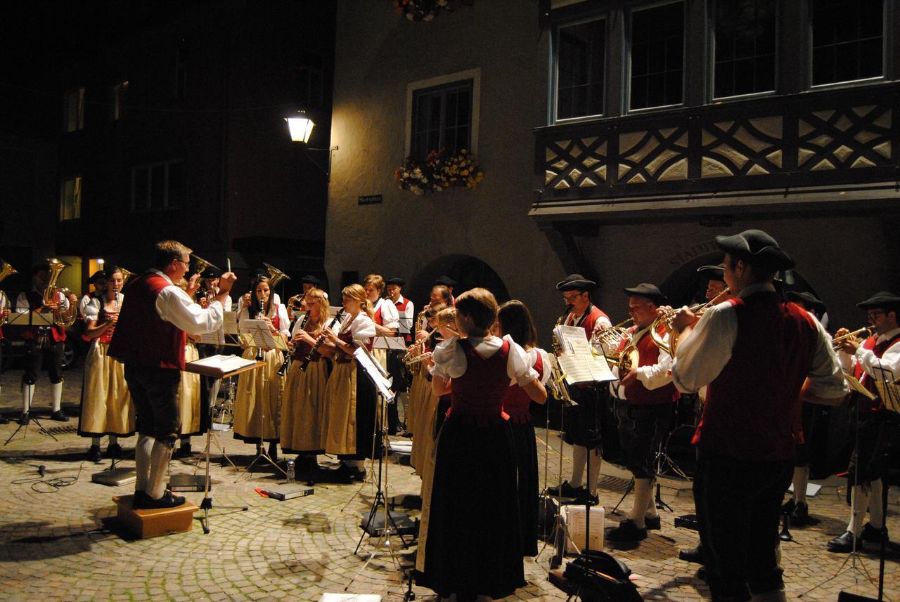 Standkonzert Musikkapelle Reichenhofen Foto Carmen Notz