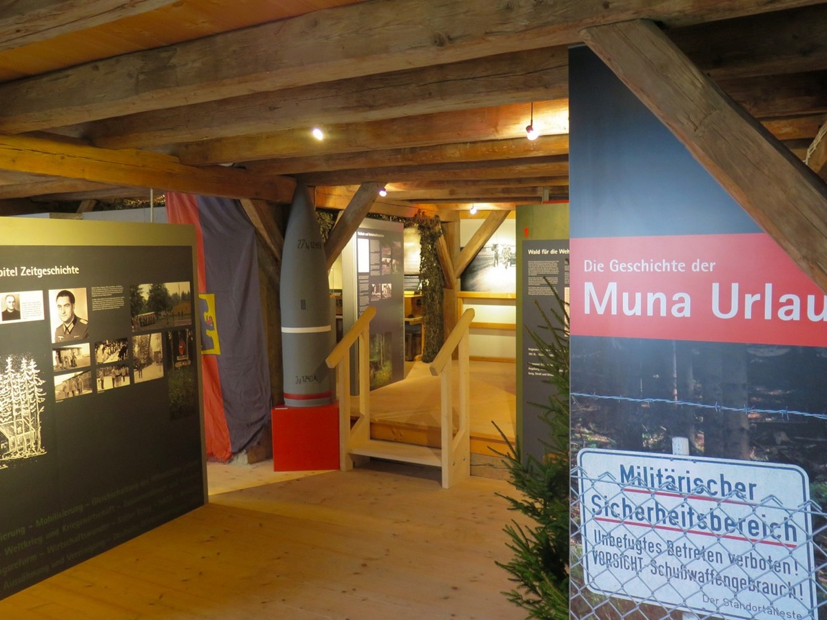 Blick in die neue Muna-Ausstellung (248 KB)