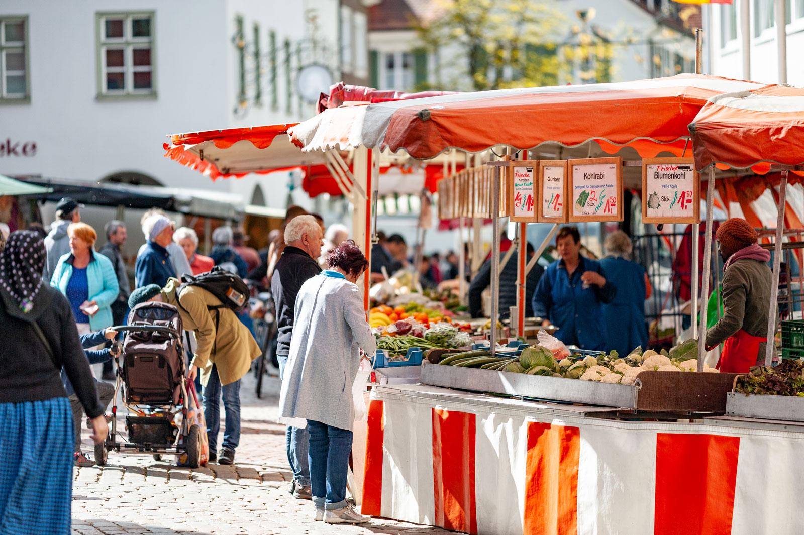 Wochenmarkt in Leutkirch Gemüsestand