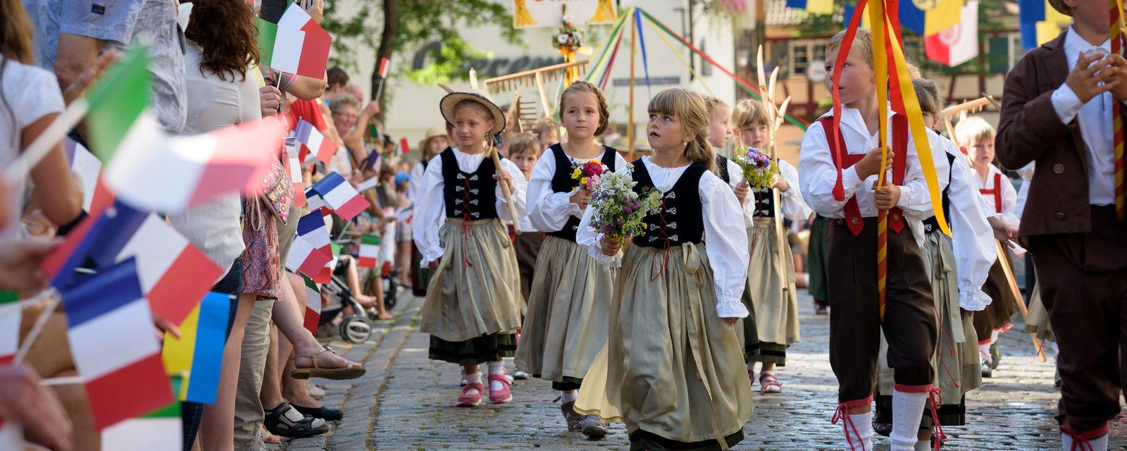 Kinderfest-Umzug - der Höhepunkt des Kinderfestes.