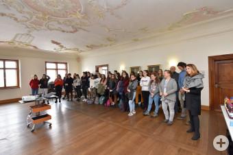 Schüler aus Castiglione besuchen das Leutkircher Rathaus.