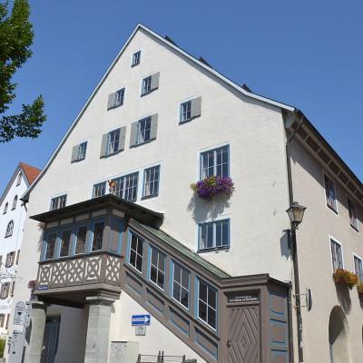 Rückseite Kornhaus mit Aufgang zur Galerie