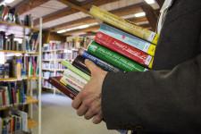 Bücherstapel in der Stadtbibliothek Leutkirch