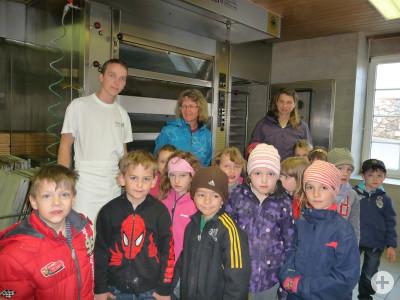 Kindergarten besucht Bäckerei