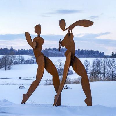 Skulpturen im Schnee von Agnes Keil und Peter Heel