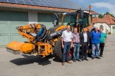 (von links) Wilhelm Hausmann (BayWa Biberach), Peter Feuerstein (Leiter Bauhof), OB Hans-Jörg Henle, Heiner Moser (Leiter Stadtgärtnerei), Franz Sipple (Bauhof), Moritz Rude (Bauhof).