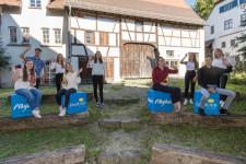 Azubi-Kennenlerntag: Die neuen Auszubildenden (vorne), gemeinsam mit den Azubis des zweiten und dritten Lehrjahres (hinten) sowie Jugend- und Auszubildendenvertreterin Judith Badstuber (hinten rechts).