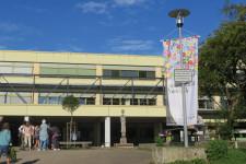 Demokratiefahne am Hans-Multscher-Gymnasium