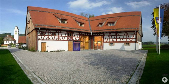 Hans-Multscher-Haus Außenansicht (143 KB)