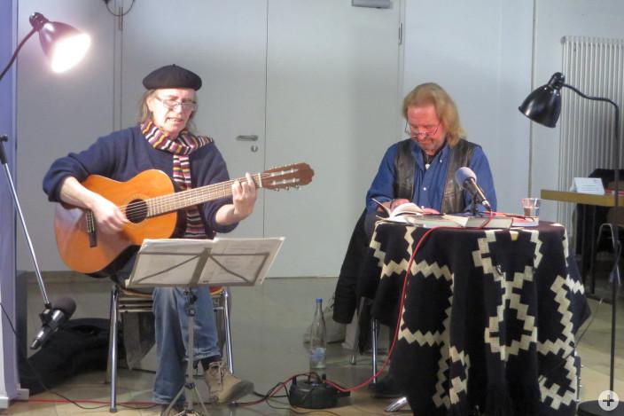 Leutkirch Leuchtet: Konzertlesung mit Urs Fiechtner und Sergio Vesely.