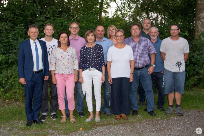 Der neue Ortschaftsrat Reichenhofen mit Ortsvorsteherin Renate Falter (fünfte von rechts) und OB Hans-Jörg Henle (links).