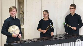 Die Eglofser Geschwister Katja (12) und Bernd Kempter (14) werden gemeinsam mit dem Wangener Hendrik Späth (15) anspruchsvolle Percussion-Literatur vorstellen