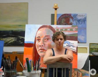 Sigrid Hutter im Atelier