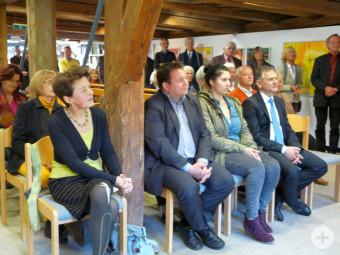 Vernissage Marlis Glaser, vorne links die Künstlerin
